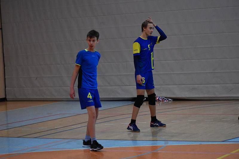 Dorostenci TJ Bižuterie si  na turnaji v jablonecké hale  poměřili síly s několika ostatními týmy z kraje.
