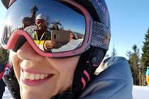 VE SKI AREÁLU TANVALDSKÝ ŠPIČÁK, který je největším lyžařským areálem v Jizerských horách, je hlavním přepravním prostředkem pro lyžaře již od roku 2003 čtyřsedačková lanovka. Dále lyžaře na vrchol dopraví kotvový lyžařský vlek. Ve ski areálu jsou dále čt