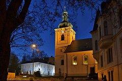 Kostel svaté Anny a Dům Scheybalových v Jablonci