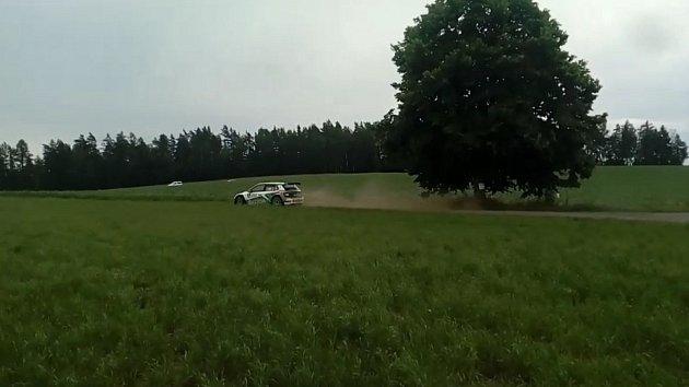 První etapu Rally Bohemia ovládl Fin Huttunen, Kopecký dotírá