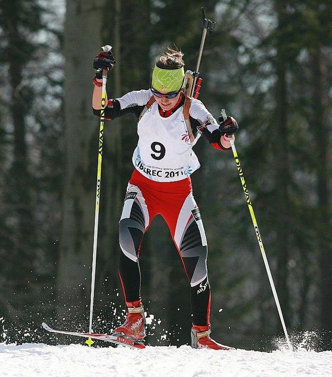 EYOWF 2011. 9 – Dunja A. Zdouc (AUT). Biatlon - dívky individuálně 10 kilometrů se jel v úterý v jabloneckých Břízkách.