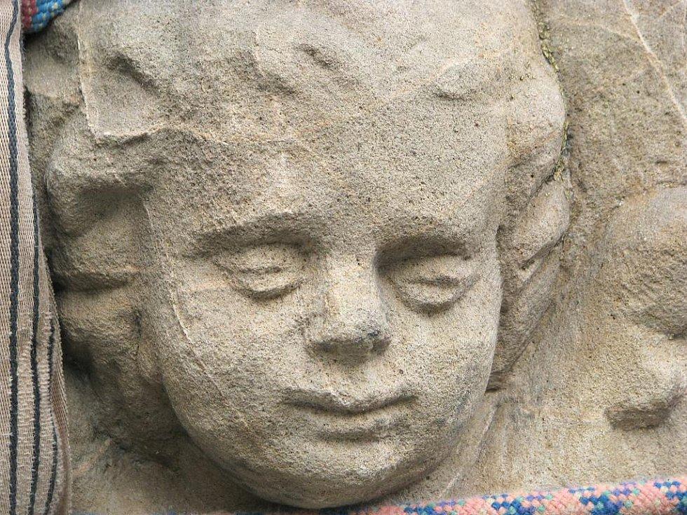 Socha Panny Marie z Železného Brodu.