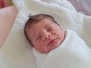ADAM BENDÍK se narodil v úterý 4. července mamince Denise Šaraiové z Jablonce nad Nisou. Měřil 48 cm a vážil 2,72 kg.