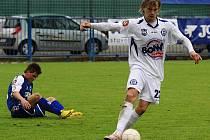 Vít Beneš v útoku v utkání se Slovanem Liberec.