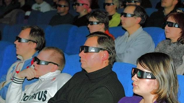 První diváci v jabloneckém kině Radnice viděli 3D film.