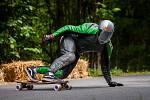 Tréninky a kvalifikace před závodem v downhillovém skateboardingu, Kozákov Challenge, proběhly 20. července na kopci Kozákov u obce Chuchelna na Semilsku. Finále závodu se koná v sobotu 21. července.