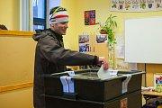 Druhý den prvního kola volby prezidenta České republiky v Liberci v Základní škole Na Výběžku. Snímek je z 13. ledna.