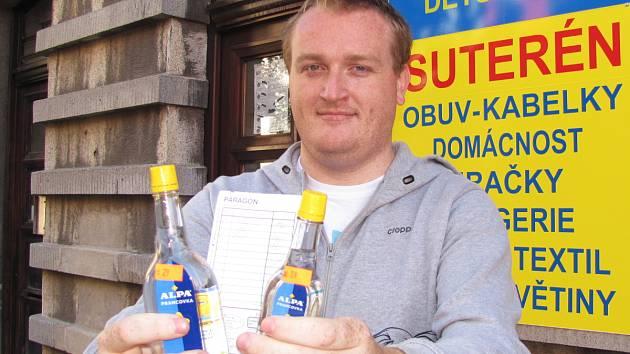 Alpa s šedesáti procenty alkoholu se dá v pohodě koupit