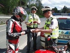 Policisté kontrolovali zvláště motorkáře.