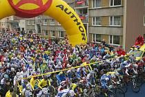 10. října odstartovali v Josefově dole 14. ročník závodu horských kol Nova Author Cup 2009.