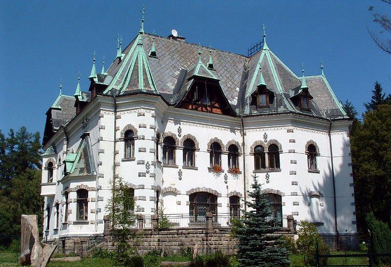 Riedlova vila v Desné.