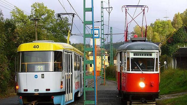 Neuvěřitelné se v sobotu stalo skutkem, historická tramvaj byla nucena zaskočit za pravidelné spoje na lince 11 poté, co ve Vratislavicích došlo k těžké nehodě a na zbylé části tratě do Jablonce zbyly jen 2 vozy.