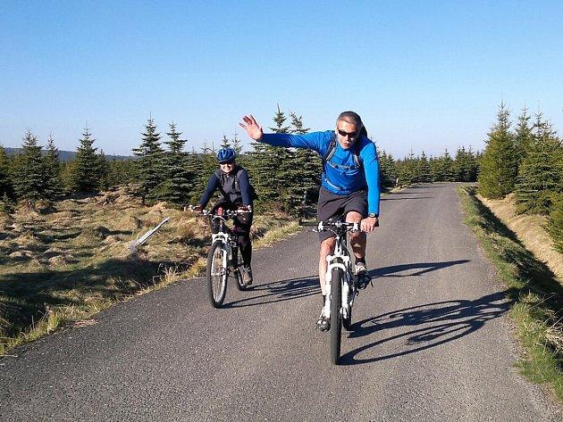 Výsledek obrázku pro cyklisté v jizerkách