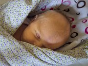 LUCIE HYBNEROVÁ. Narodila se Petře a Robertu Hybnerovým z Jablonce nad Nisou. Vážila 3,15 kg a měřila 49 cm.