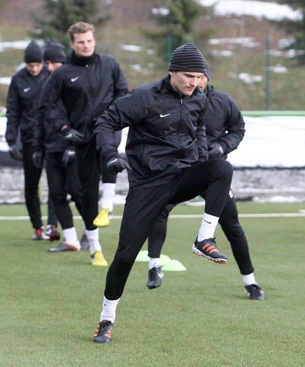 Fotbalisté Jablonce zahájili ve středu zimní přípravu. Na snímku David Lafata při tréninku.