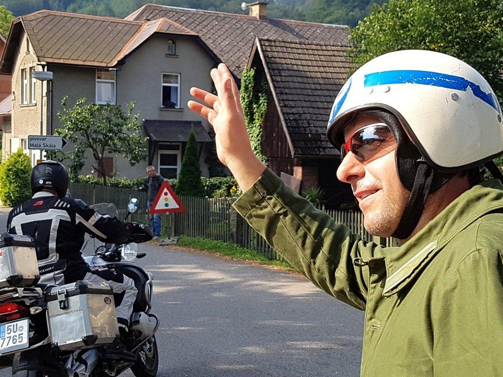 Regionem projela kolona dvou set motorek při 35. srazu motocyklů československé výroby.