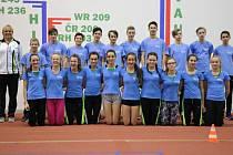 Reprezentanti Libereckého kraje pod vedením Dany Mikulové (zcela vlevo) (vlevo) v mezikrajovém utkání družstev v atletice. A byli nejlepší ze všech.