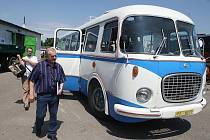 Historický autobus.