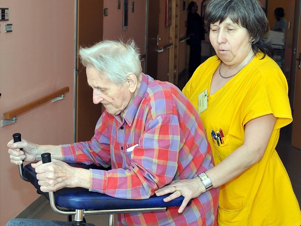 Posláním centra je umožnit lidem se zdravotním postižením a seniorům plnohodnotný život v přirozeném prostředí.
