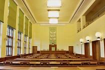 Zrekonstruovaný zasedací sál č. 202.