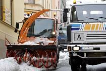 Úklid sněhu v jabloneckých ulicích