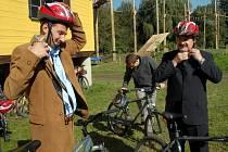 Po vyhlášení vítěze soutěže Cesty městy si mohli zástupci měst vybrat jakou formou si prohlédnou Malou Skálu. Pěšky, na kole nebo na lodi. Starosta Šternberku Jaromír Sedlák zvolil jízdu na kole.