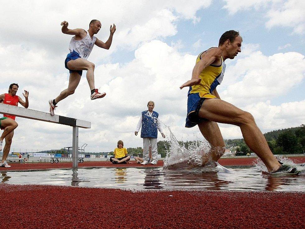 Na atletickém stadionu v Jablonci změřili své síly handicapovaní sportovci. Paralympiáda neboli Global Games 2009 se odehrává v Jablonci a Liberci. Úterní dopoledne patřilo také atletice na Střelnici.