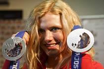 Gábina Soukalová s olympijskými medailemi