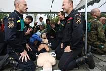 Na parkovišti jablonecké nemocnice se uskutečnil pokus o rekord v nejvíce resuscitujících lidí v jeden okamžik na jednom místě.