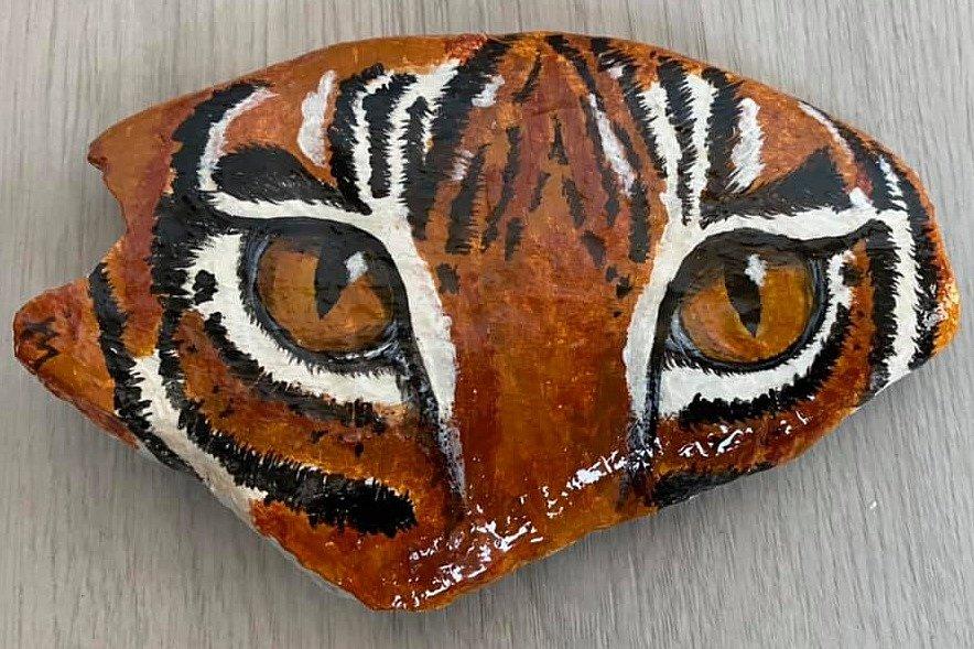 Tygří oči od Ivy Masopustové za 1200 korun pro zoo Liberec vydražila Lenka.