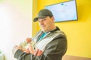 MATYÁŠ EFLER se narodil v pondělí 23. dubna rodičům Kristýně a Michalovi z Jablonce nad Nisou. Měřil 47 cm a vážil 3,14 kg.