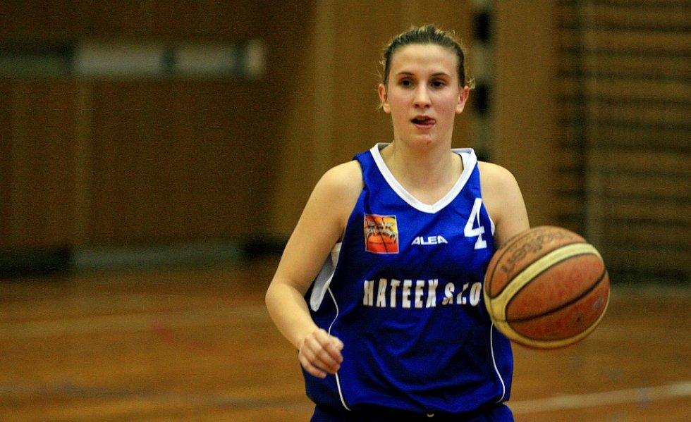 Jablonecké basketbalistky (v zeleném) porazily Plzeň.