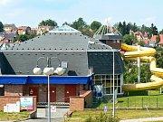 Jablonecká plavecká hala na archivním snímku
