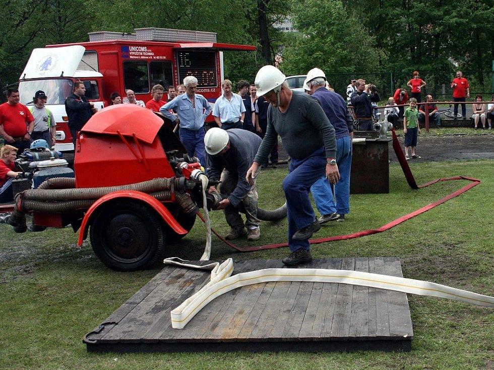 Oslavy 120. výročí hasičů ve Velkých Hamrech.