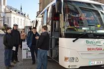 Berušku znají především děti. Tentokrát se dovnitř mohli podívat i rodiče a prohlédnout si tento speciální autobus.