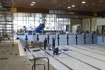Oprava jabloneckého bazénu pomalu finišuje. Rekonstrukce si vyžádala téměř 43 milionů korun.