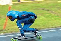 Kopec Kozákov nedaleko Turnova hostí od 11. srpna druhý ročník adrenalinové akce Kozákov Challenge. Jedná se o závod série Mistrovství světa v downhill skateboardingu.