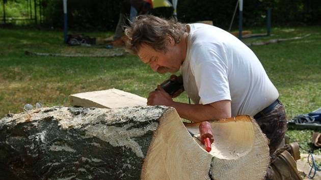 Tomáš Kůs z Plzně pracuje na výtvoru neobvyklého jména.