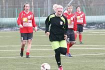 V nedělním zápase na domácím hřišti ve Mšeně se hráčky Baumitu utkaly se soupeřkami třetiligového týmu SK Baník Libušín. A zvítězily 5:1. Soupeřky daly jen čestný gól.