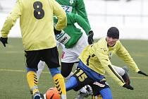 Na umělé trávě ve Mšeně se hrálo přátelské fotbalové střetnutí dvou rezerv ligových týmů, ve kterém vyhrála juniorka Slovanu Liberec 2:0.