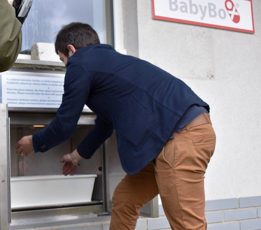 Zkouška babyboxu s panenkou dopadla nade vší spokojenost.
