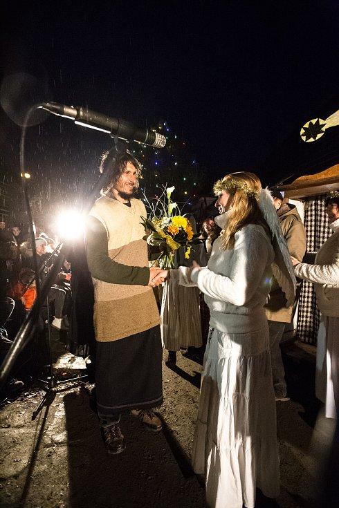Ochotníci hráli na Malé Skále vánoční divadlo.