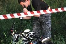 Ve čtvrtek 6. 8. večer došlo v Liberci v Krásné Studánce (ulice Hejnická) k tragické dopravní nehodě, při níž přišel o život motocyklista a chodec utrpěl vážná zranění. Nehodu vyšetřuje PČR.