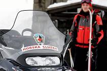 Cvičení lavinových preventistů Horské služby ČR v lokalitě Stříbrná bystřina v Krkonoších.