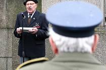 Pietní akt u Památníku obětí 1. světové války v Tyršových sadech v Jablonci.