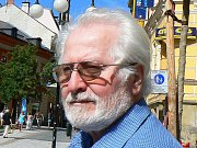 Alfred Neumann z Jablonce nad Nisou vzpomíná na rok 1968. Jeho bratr jel se sanitkou ke zraněným lidem v Liberci. Sanitku mezi sebe skříply obrněné vozy.
