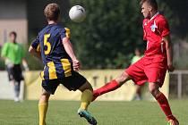 Fotbalisté Železného Brodu získali první divizní bod. Se Svitavy (v pruhovaném) hráli 1:1.