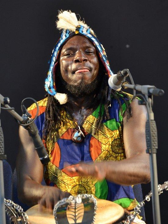 Na jablonecké Letní scéně hostovali bubeníci ze západní Afriky, skupina Njachas.