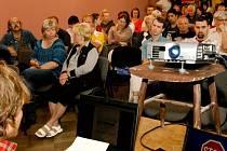 Už více než jedenáct stovek členů má občanské sdružení Občané proti superseverní variantě R35.
