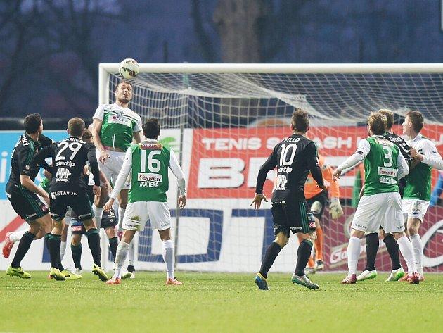O napínavé situace v zápase Baumitu s Příbramí nebyla na obou stranách nouze.